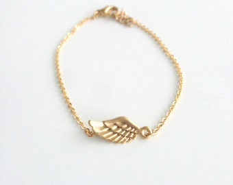 Wings bracelet - Dainty everyday jewelry - Gold wing - Silver wing - Gift for her