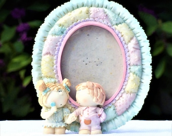 Vintage Ceramic Picture Frame/Bumpkins Oval Picture Frame/Fair Condition