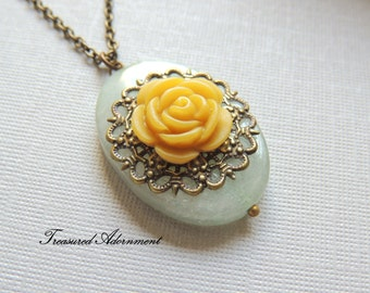 Yellow Rose Aventurine Necklace, Vintage Style, Gemstone Necklace, Antiqued Brass Filigree, Mother's day Gift, Gift for Mom, Grandma