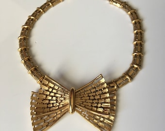 Vintage Gold Bow Tie Necklace by Monet