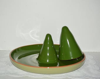 """Vintage Large 14"""" Round Upright Cone Roaster for Chicken/Turkey with 1 Extra Larger Cone, Duo Green and Terra Cotta, Handmade in Italy"""