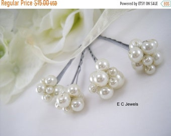 SHOP SALE Pearl Cluster Hairpins