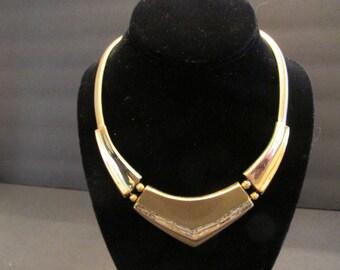 Beautiful vintage NAPIER signed bold hinged necklace