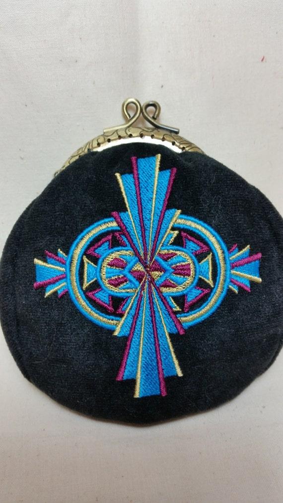 L136. Coin purse. Soleil art deco cross design