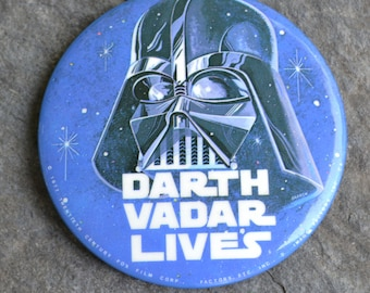 Vintage 1977 Darth Vader Pinback Button