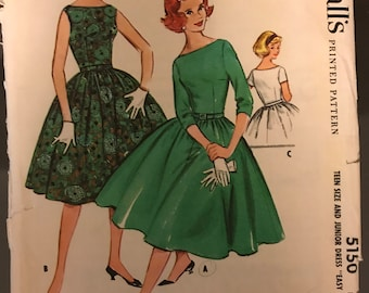 McCalls 5150 - 1950s Dress with Fitted Bodice and Flared Four Gore Skirt - Size 11 Bust 31.5