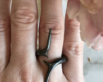 Twisted Thorn Ring, Rose Ring, Thorn Ring, Witch Ring, Thorn Jewelry, Honey Locust Thorn, Fairy Tale Ring, Dark Fashion Jewelry, Witch Ring