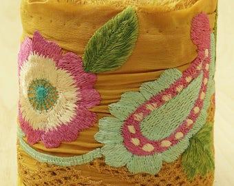 Free Shipping Vintage Indian Sari Border Embroidered Trim Sewing 1YD Yellow Sarong Ribbon Lace VB12426