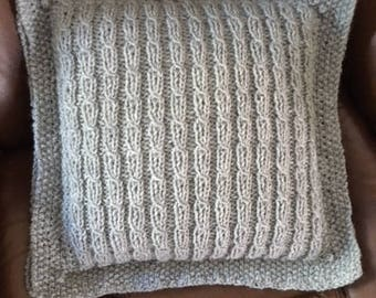 Pillow in Gray Cables