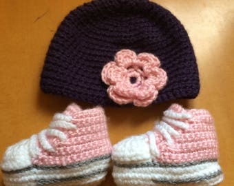 Infant 0-6 months hat and shoes