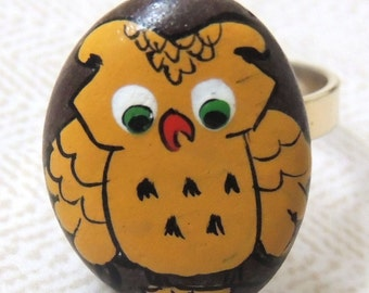 1970s OWL Hand Painted Pebble Adjustable Ring