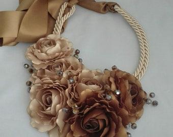 Collar de flores, collar de boda, collar de fiesta, collar de invitada, collar dama de honor, collar marrón, bronce, collar celebracion