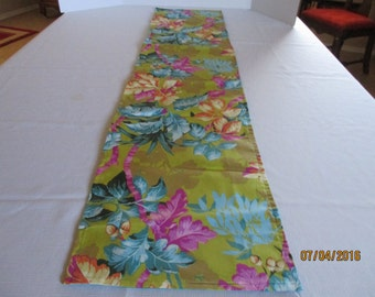 Table runner, floral, home and living, kitchen and dining, dining room, table linens, table, home decor, bedroom, dresser scarf,