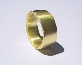 8mm 18kt Yellow Gold Rough Edge Ring