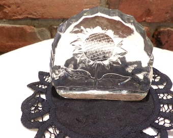 Vintage glass sunflower paper weight, clear glass paperweight, floral paperweight, Desk Décor, office décor, Morethebuckles