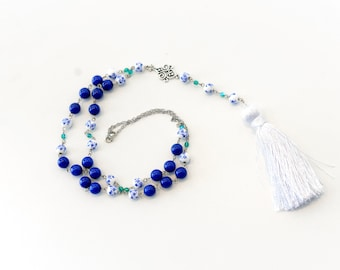Vintage 20s style flapper tassel necklace, white, blue and silver