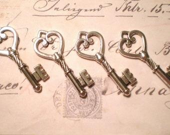 Silver Key Charms (4)