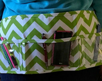 Utility Apron // Teacher Apron // Clear Pocket Apron // Craft Apron //Teacher Gift // Gift Idea // Under 20 // GREEN ChEvRoN Gift idea