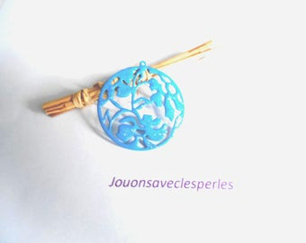 1 glittery blue enameled pendant 40 mm