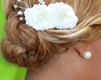 "white flowers with pearl and crystal detail hair comb ""Delilah"""