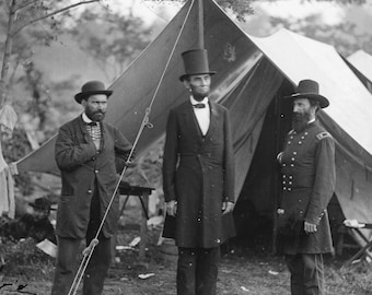 President Abraham Lincoln Meets With General McClernand in October, 1962 - 5X7, 8X10, 11X14 Photo (AA-033)
