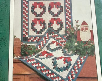 Christmas Wreath Quilt  Wallhanging or Table Runner, Uncut, Excellemt condition
