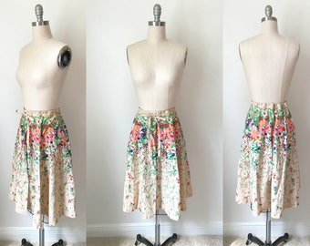 1960s Cotton Wildflowers Pintucked Skirt Size Small // Tie Waist Floral Novelty Print