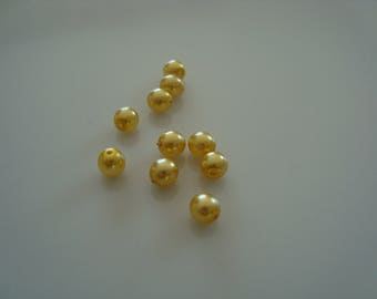 Set of 10 4mm Pearl glass beads
