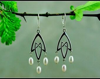 Silver chandelier earring, chandelier earring wedding, celtic pearl earring, celtic jewelry, handmade unique jewelry, celtic wedding