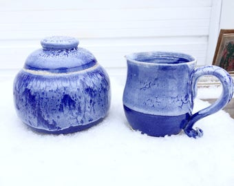 Pottery cream and sugar set