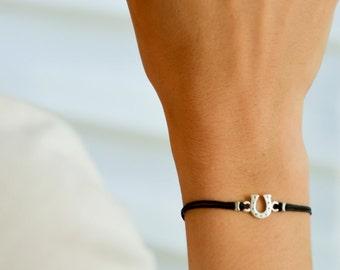 Horseshoe bracelet, women bracelet with silver tone Horseshoe charm, black bracelet, gift for her, cowgirl bracelet, lucky charm