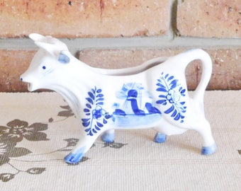 Delft Blue Dutch porcelain cow creamer, milk jug; vintage 1960s, blue and white