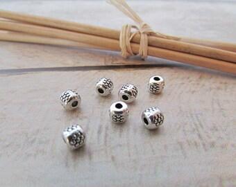 20 bead 4 x 4 x 4 mm Tibetan silver - 657