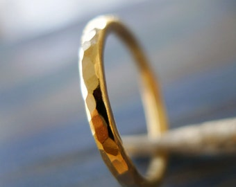 14K Rough. Yellow Gold Hammered Textured Wedding Band Ring (or NOT...). Personalized. Man Gold Ring. Man Jewelry. Man Gold Wedding Ring.