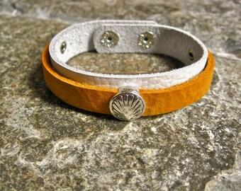 Camino de Santiago bracelet - leather jewelry ft Compostela shell symbol