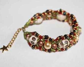 Bracelet Frida with natural howlite skulls
