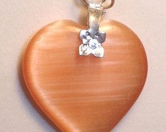27mm PEACH Cats Eye Fiber Optic Heart Pendant With Silver Bail
