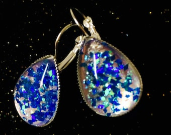 Earrings, dangle earrings, drop shape, glass cabochon, glitter, Royal Blue, turquoise and silver, shiny, iridescent.