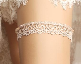 Wedding garter, bridal garter, toss garter, lace garter, rhinestone garter, crystal garter, lace wedding garter, crystal wedding garter