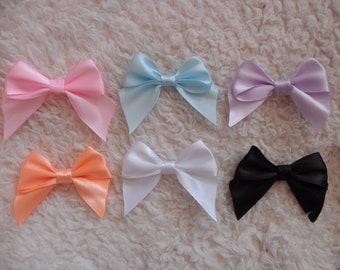 Made-to-order hair bows - set of 2 - pastel love heart bead hair clips (pastel goth , fairy kei, kawaii)