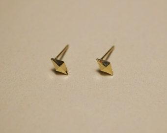 10K Gold Tiny geometric stud earrings, diamond pyramid, solid Gold, real Gold - TG091
