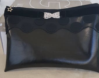 clutch in faux leather for the holidays
