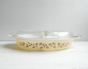 Vintage Pyrex Acorn Divided Casserole Dish Cream & Gold with Lid in Original Box