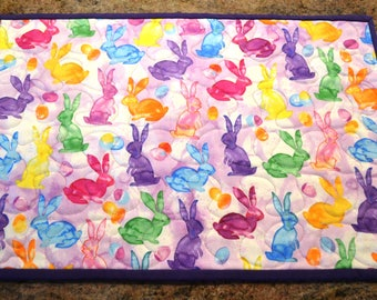 Easter Bunny Eggs Purple Trim: Table Runner and 6 Placemats