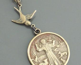 Vintage Jewelry - Vintage Necklace - Saint Francis necklace - Brass Necklace - Religious jewelry - Catholic necklace - handmade jewelry