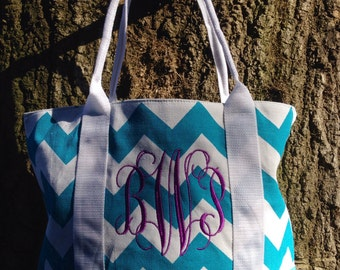 Personalized Canvas Chevron Tote Bag/ Chevron Purse/ Over-the-Shoulder Bag/ Monogrammed Tote Bag/ Monogrammed Bag/ Back to School/School Bag