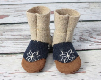 """Toddler Slippers 18-24m """"Falling Snow"""" Lambs wool & suede (ready to ship) Fits US 6-6.5 shoe"""