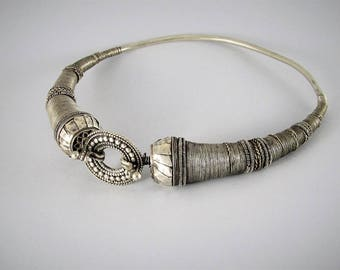 Antique indian silver rigid necklace - Indian jewelry - Rajasthan necklace