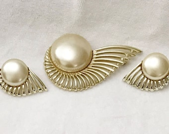 Sarah Coventry Brooch Pin Earrings Set Pearl Flight 1956 Collection Demi Parure Signed