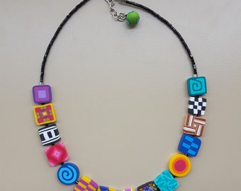 Necklace color inserts
